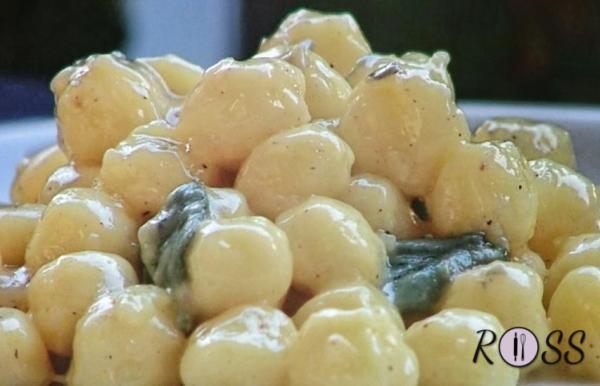 Gnocchetti con crema ai quattro formaggi