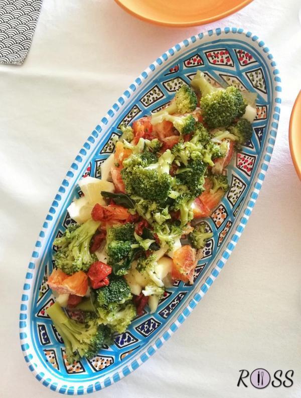 Insalata invernale con agrumi e broccoletti