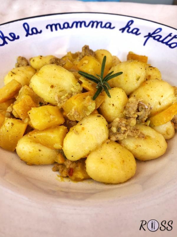 Gnocchi con zucchine gialle speziate