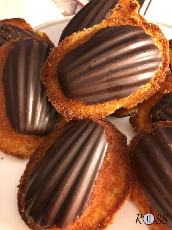 Madeleines alla vaniglia e cioccolato
